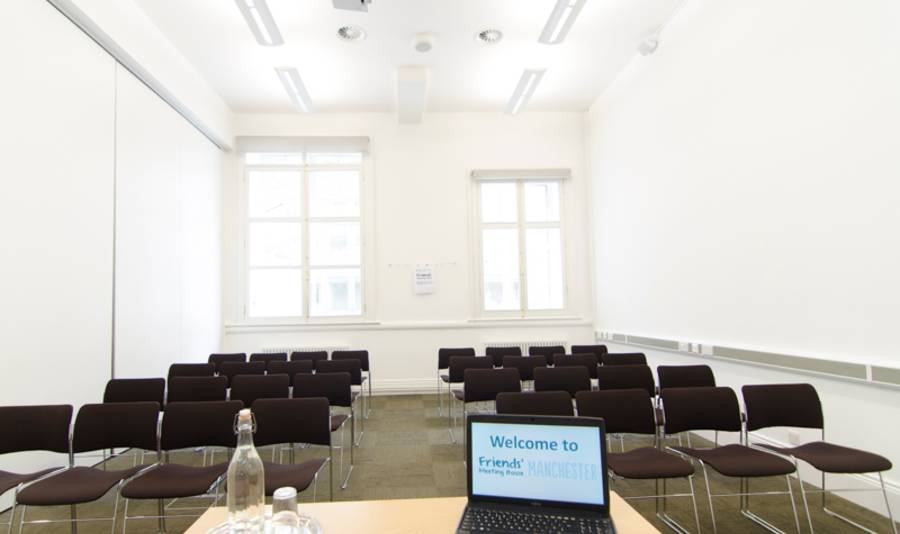 F13 meeting room theatre style image