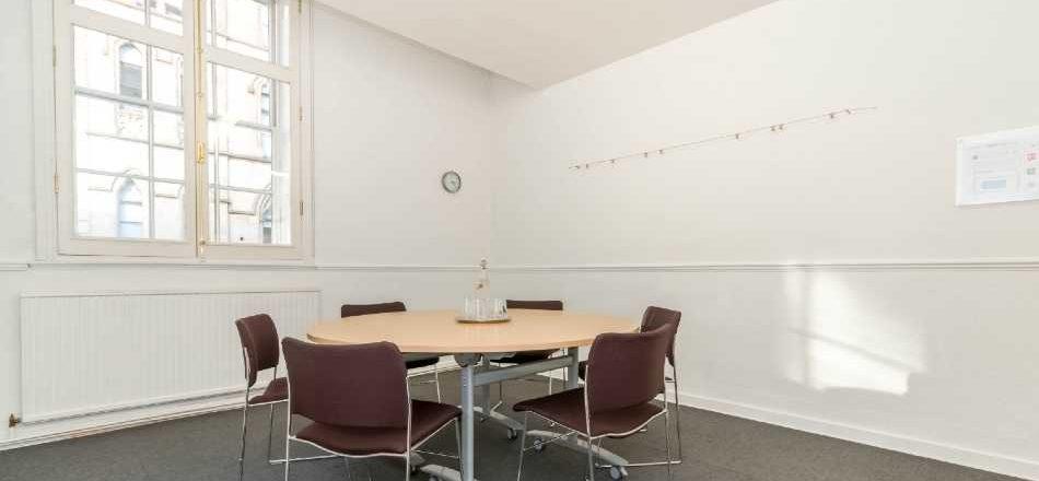 Meeting Room F15
