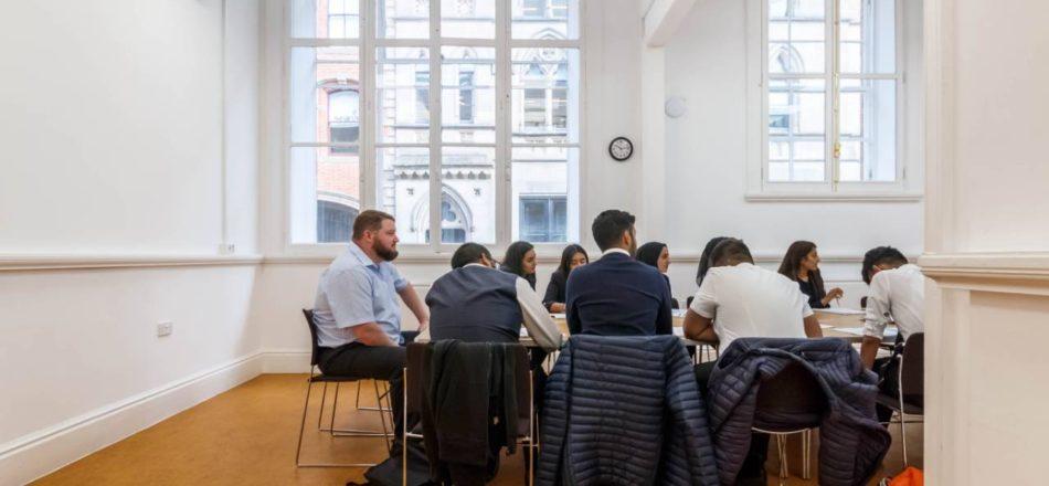 image_G4- boardroom_meeting